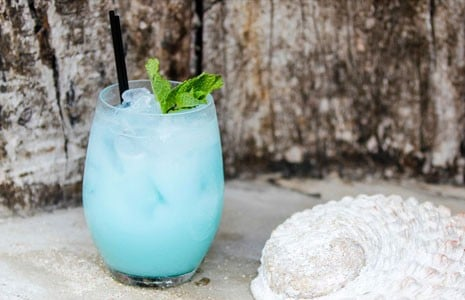 5 Delicious Blue Curaçao Cocktails